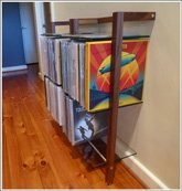 Customer Picture - QUADRA Vinyl shelving unit made of walnut wood with glass panes - Art. 6121