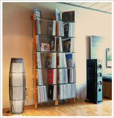 Customer Picture - QUADRA LP storage shelving unit made of solid wood with glass - Art. 6122