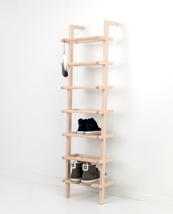 Large lean-on shoe rack made of ash