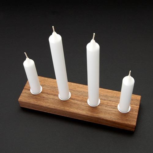 Nussbaum Kerzenständer mit 4 Metalleinsätzen