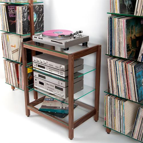 weitere bilder f r hifi rack quadra aus massivholz nussbaum mit glasb den. Black Bedroom Furniture Sets. Home Design Ideas